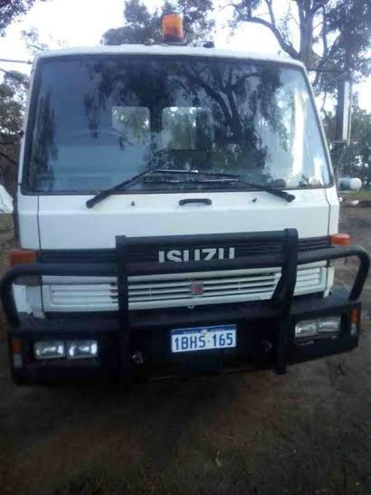 Isuzu Cab Chassis 800 Long truck for sale WA