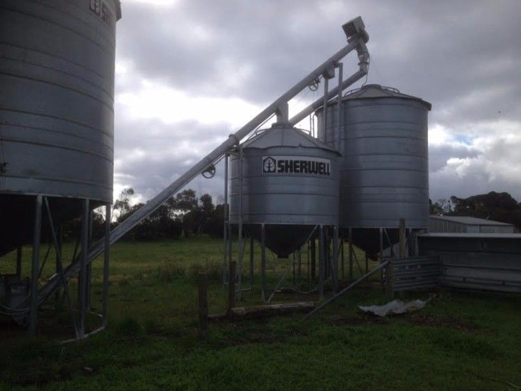 Feedlot 47 Ton - 23 Ton - 9.5 Ton Sherwell Silos Plant & Equipment Vic
