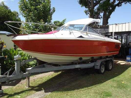 Boat for sale QLD 2000 Mustang Boat