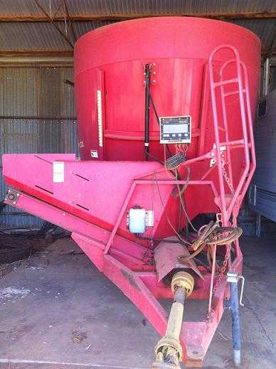 Farm Machinery for sale SA NDE Vertical Feed Mixer