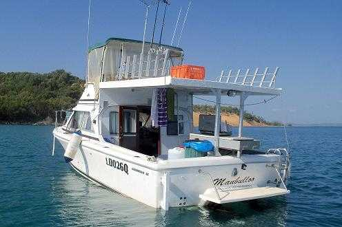 26ft Bertram Caribbean Fly Bridge Cruiser Boat for sale QLD Gladstone