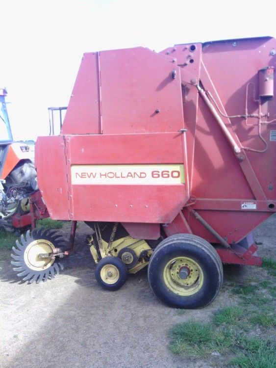 New Holland 660 Round Baler Farm Machinery for sale SA