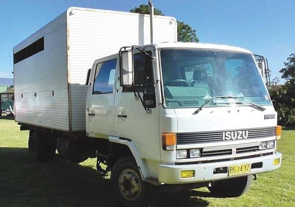 Isuzu FSR450 5-6 Horse Transport Truck for sale NSW