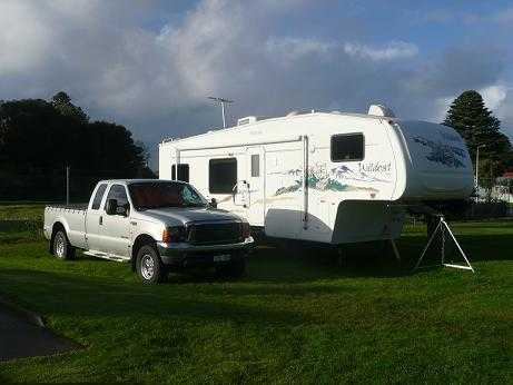 5th Wheeler Caravan for sale VIC 2006 Forest River Wildcat 28RK & 2006 Ford F250 Package Caravan