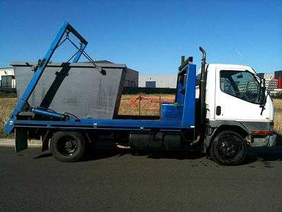 92fa337585 Motorhome for sale QLD Mitsubishi 2011 LWB Earthcruiser Motorhome · Truck  for sale VIC 10 skip Bins